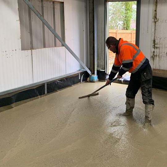 Laying Concrete Screed