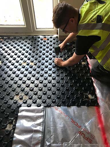 Installation of underfloor heating