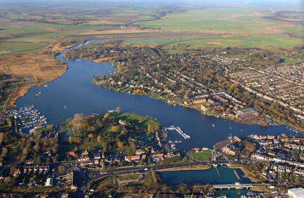 Oulton Broad aerial shot three.jpg