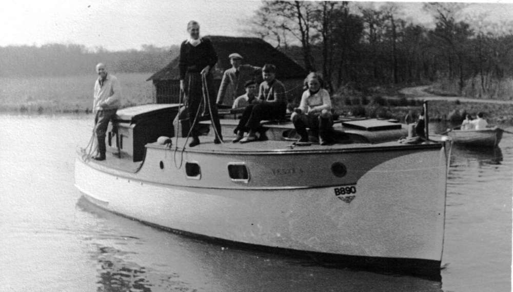 Vesta 6 Horning Ferry 1947.jpeg