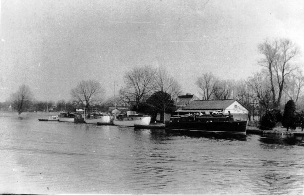 Vestas at Horning Ferry 1947.jpeg