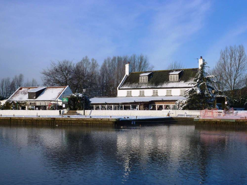 Reedham Ferry Inn.JPG
