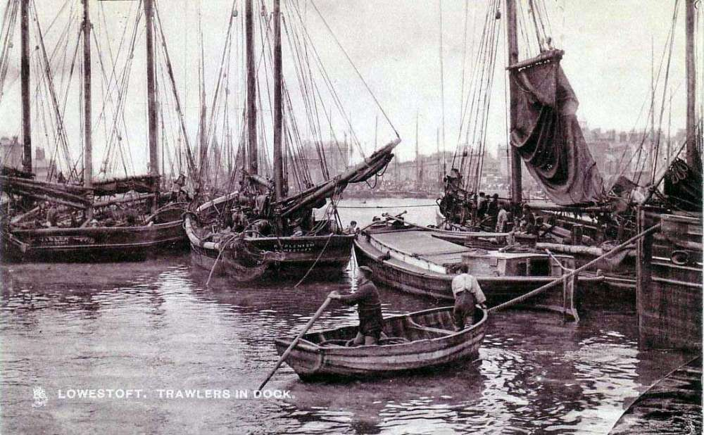 Lowestoft Inner Harbour wherry & smacks.jpg