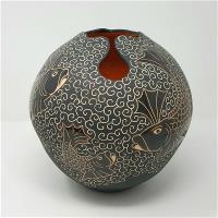 Black Keyhole Pot with Orange Fighting Fish