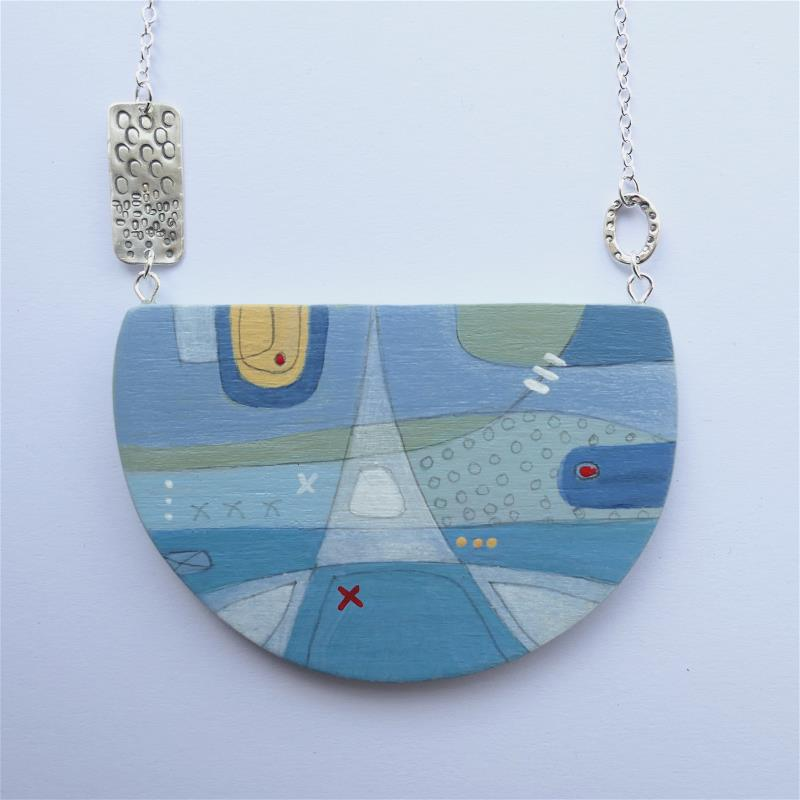 Breaking the Chain - Wearable Painting No. 9.
