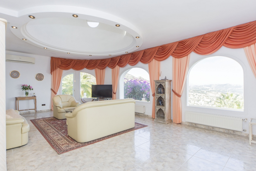 5 bed villa in Calpe
