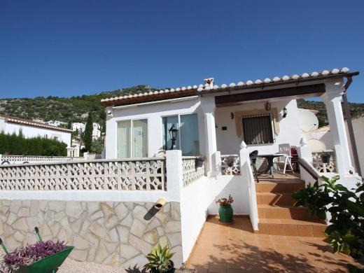 2 bed villa in Jalon