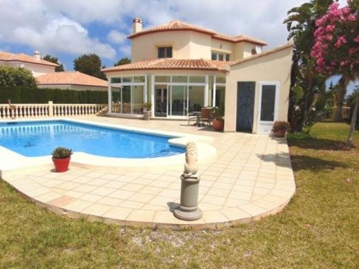 3 bed villas in Denia