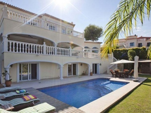 6 bed villa in Denia