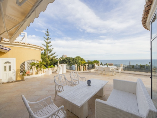 6 bed villas / chalets in Calpe