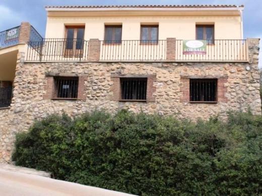 5 bed villa in Jalon