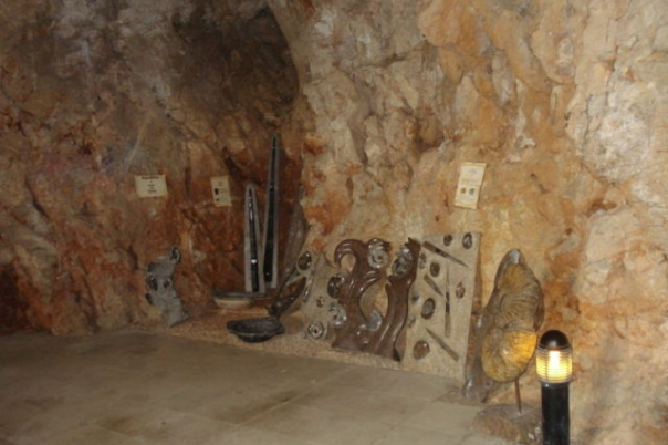 Cueva de las Calaveras - The Cave of Skulls in Benidoleig