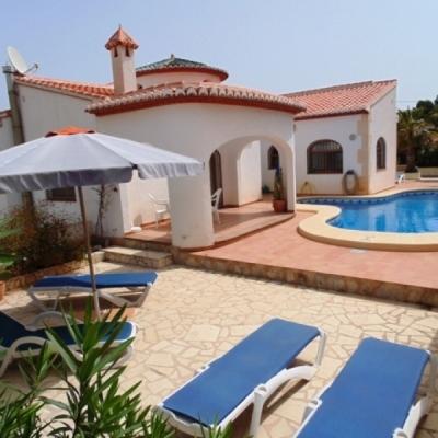 6 bed villas in Moraira
