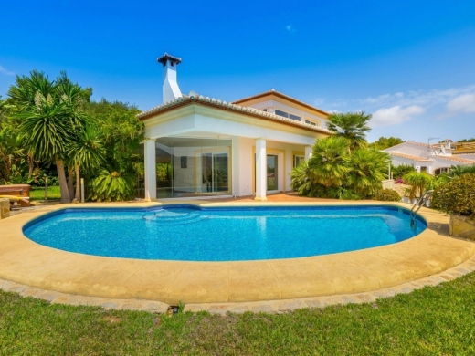 3 bed villas / chalets in Javea