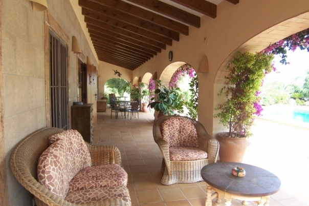 4 bed villas / chalets in Benissa