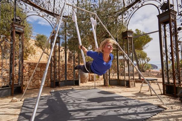 ReallyFly - Yoga Classes & Experiences
