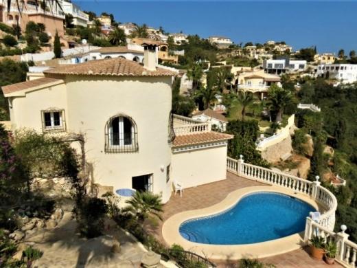 4 bed villa in Cumbre Del Sol