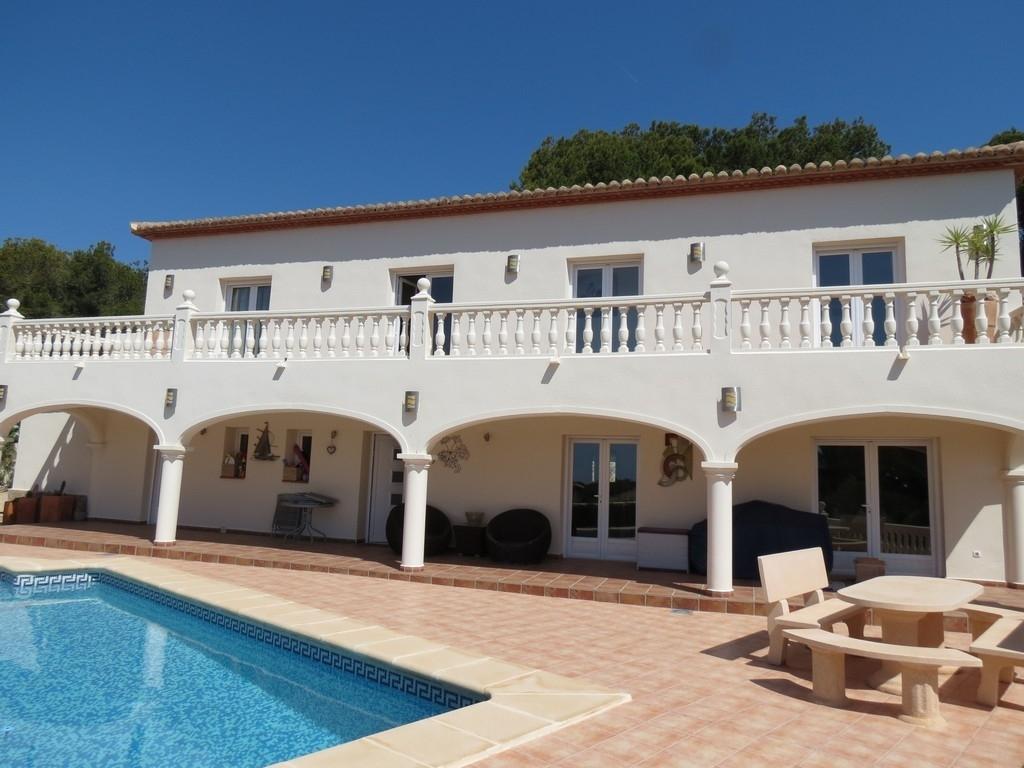 CB Property Sales - Estate Agents Moraira