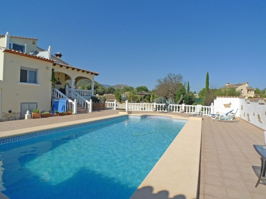 5 bed villa in Jalon
