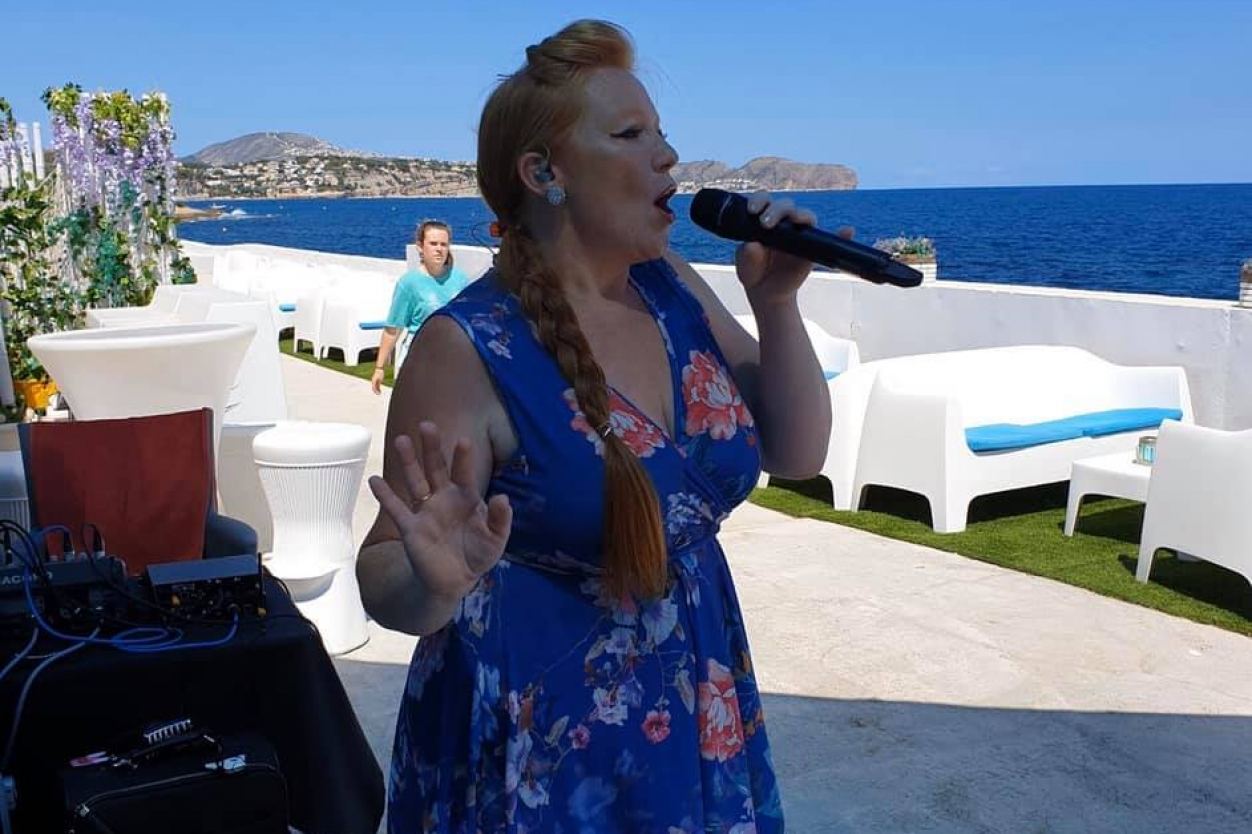 Live Music and Entertainment: Oceana Club