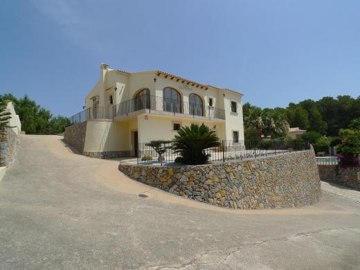 4 bed villa in Jalon