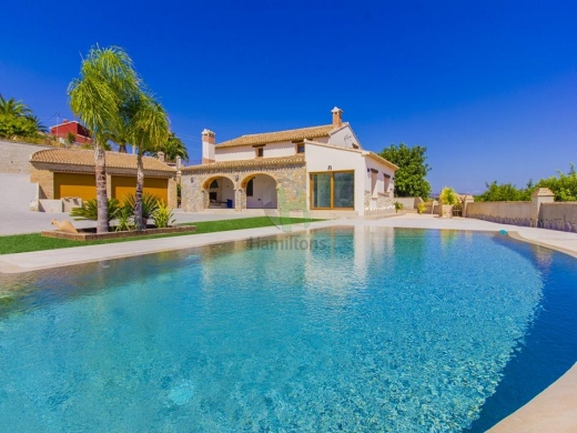 4 bed villa in Teulada