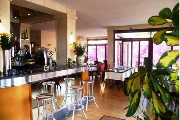 Satari's Restaurant