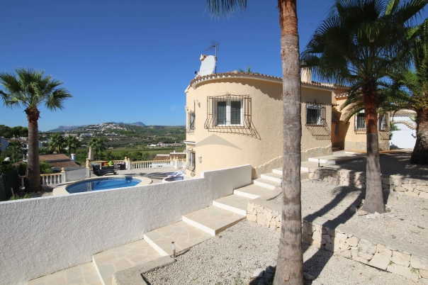 4 bed villa in Benitachell