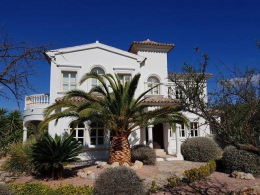 4 bed villa in Jalon