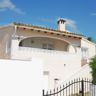 2 bed semi detached house in Moraira