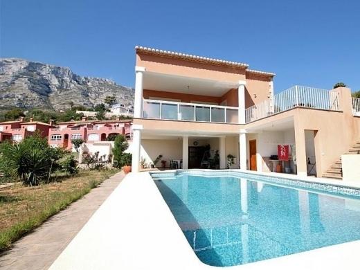 5 bed villa in Dénia