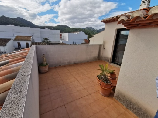 4 bed apartment in Jalón/Xaló