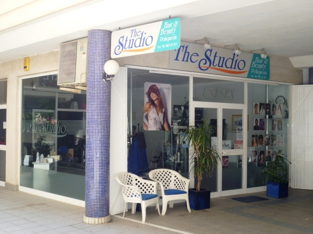 The Studio, Hair and Beauty Salon - Peluqueria