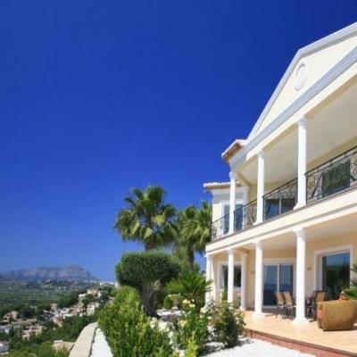 5 bed villas & fincas in Moraira