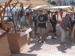 Markets in Javea: Arts & Handicraft Market at Javea Port