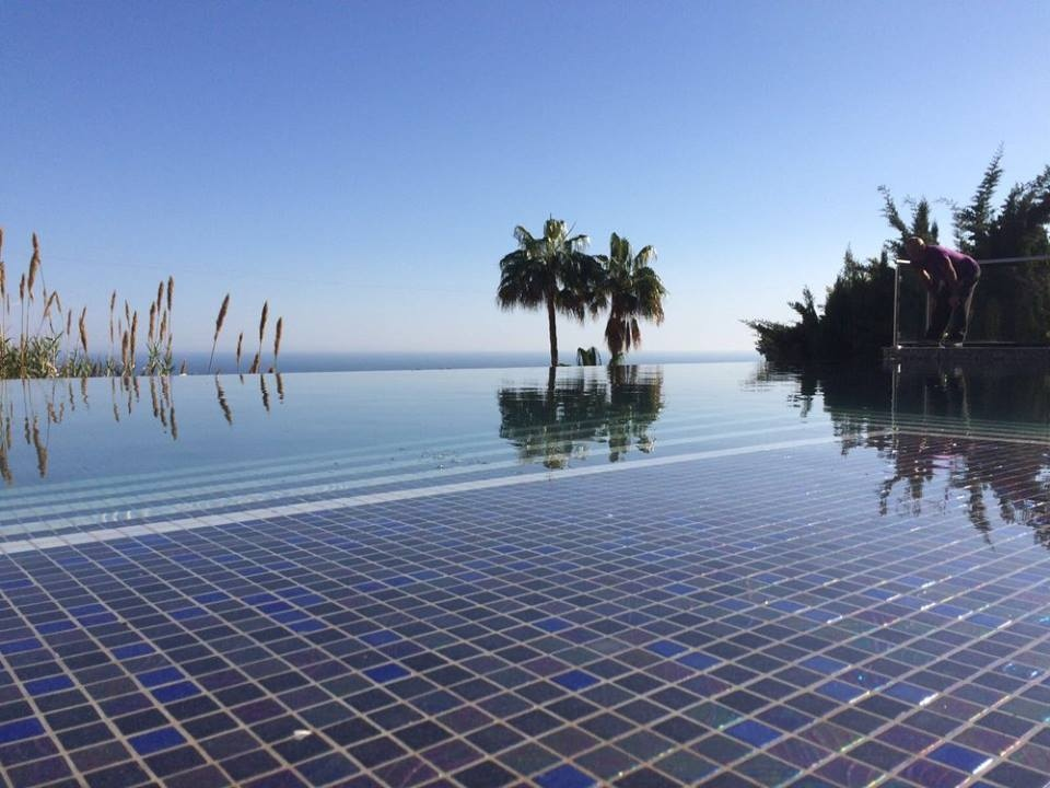 Infinity Pools Costa Blanca - Swimming Pool construction from Kevin Jones
