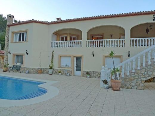 6 bed villa in Jalon