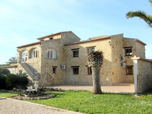 6 bed villas / chalets in Javea