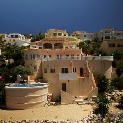 6 bed  villa in Cumbre Del Sol