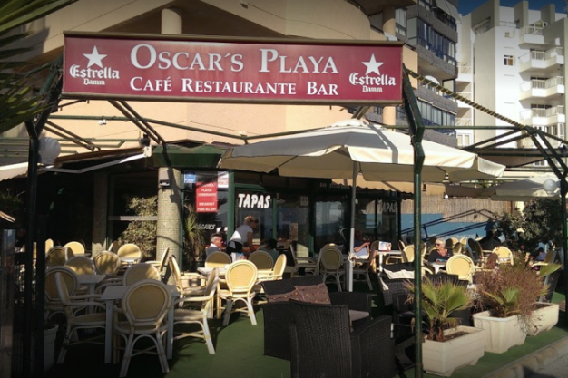 Oscar's Playa - Cafe Restaurant & Bar