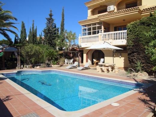 5 bed villa in Villajoyosa