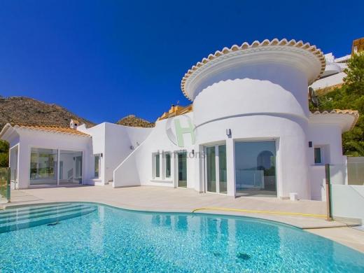 5 bed villa in Altea