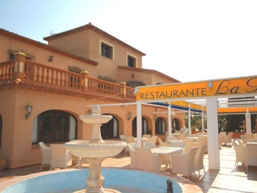 6 bed commercial in Javea