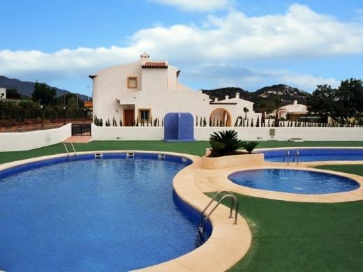 3 bed semi-detached villa in Calpe