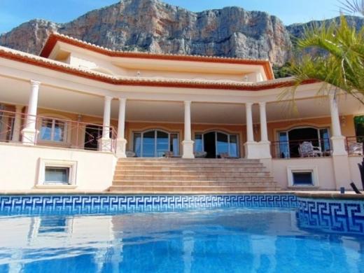 5 bed villas in Javea