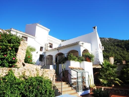 4 bed village house in Denia