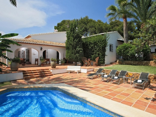 5 bed villas / chalets in Javea