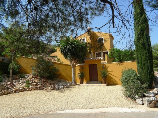 3 bed villa in Jalon