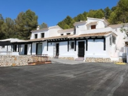 5 bed commercial property in Moraira