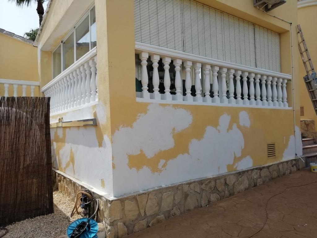 No Need to Paint - Andura Abroad